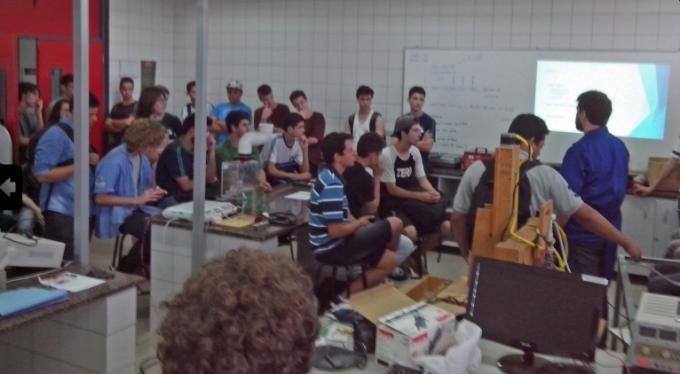 Controle-automacao-ministram-oficinas-2014-04